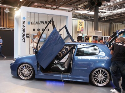 VW Golf Lambo Doors Blue : click to zoom picture.